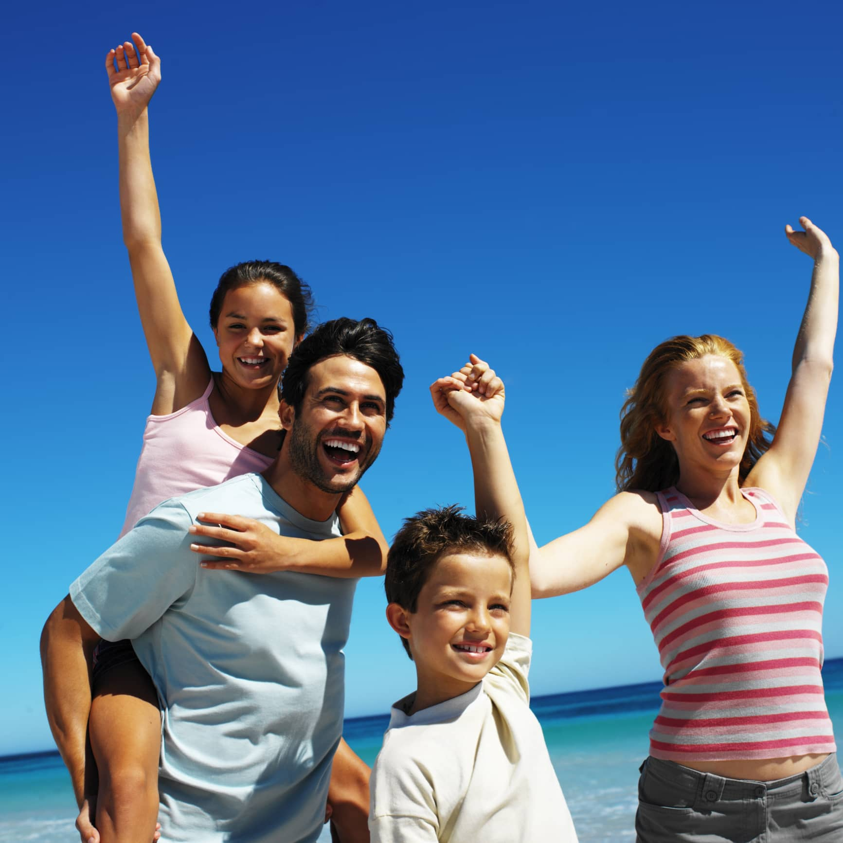 Danbury Dentists Share 3 Tips For Healthy Smiles While on Vacation